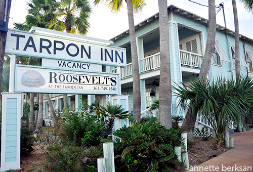 Tarpon Inn Sign